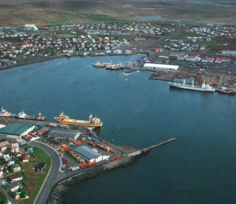 Hafnarfjarðarhöfn-1988-featureimage